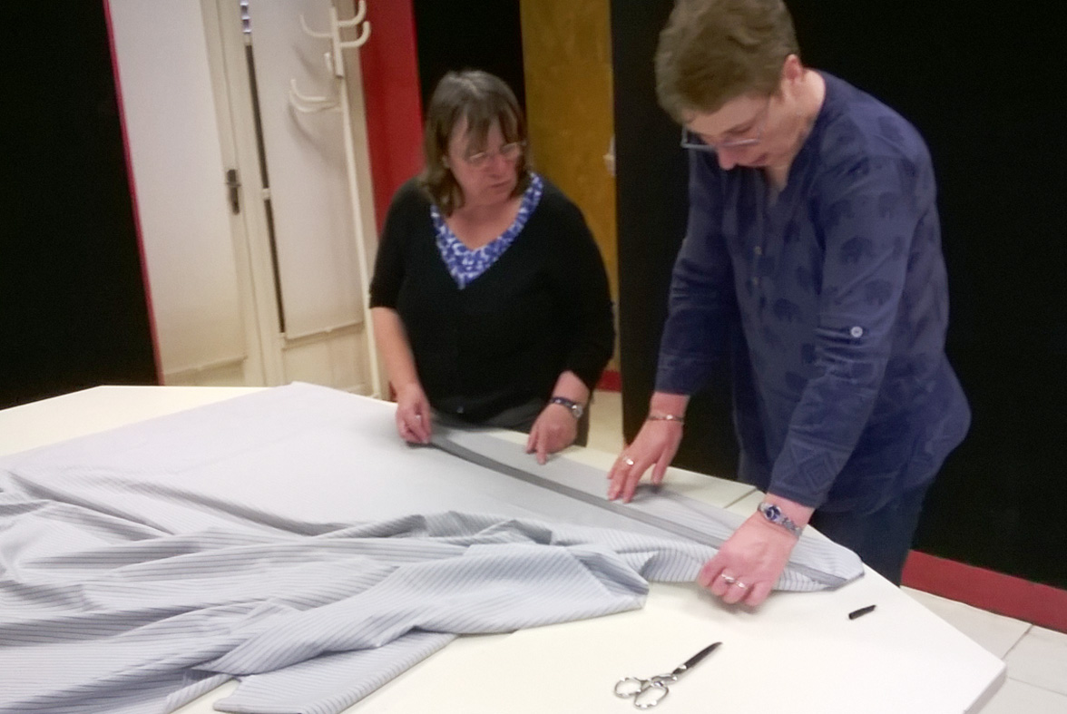 2017 Atelier couture - Mesure avant découpe des volants