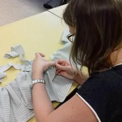 2017 Atelier couture - Préparation du volant de jupon