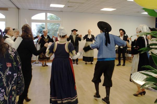 13022018 danses chantees avec les participants