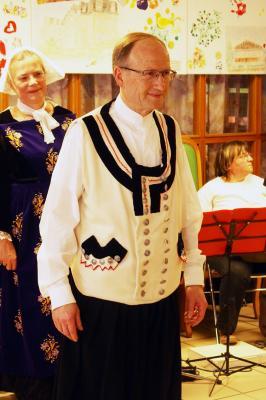 20032018 costume de pontivy veste blache et petits boutons
