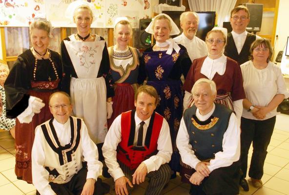 20032018 danseurs et musiciens de koroll ehpad de montgeron