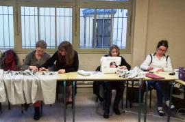 2017 atelier couture au travail sur les jupons 1
