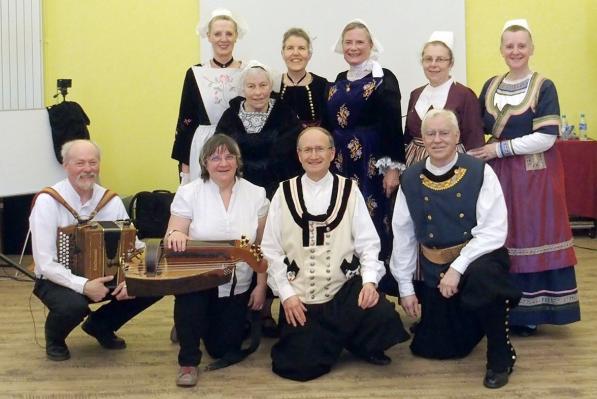 27032018 groupe danseurs et musiciens cckb a montlhery