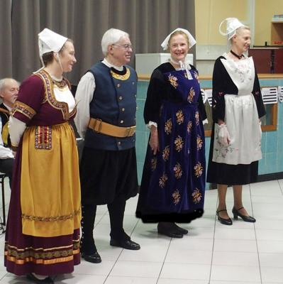 Brunoy costumes trad et glazik