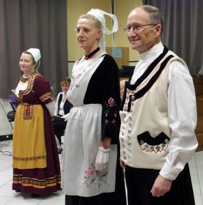 Brunoy couple en costume traditionnel