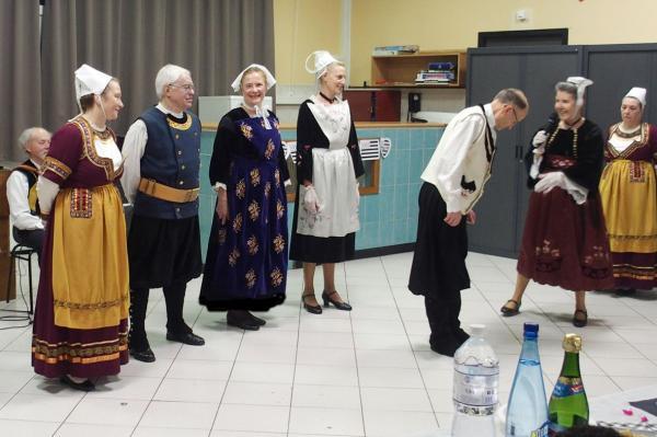 Brunoy presentation des costumes par soaz