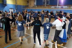 Cercle circassien partage entre danseurs