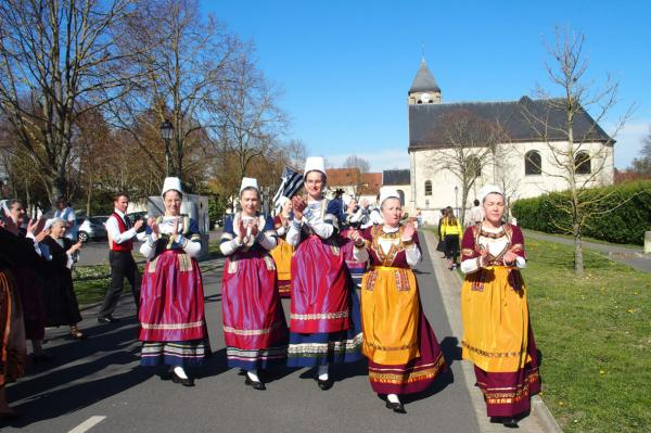 Danseuses de koroll en glazik au plessis pate