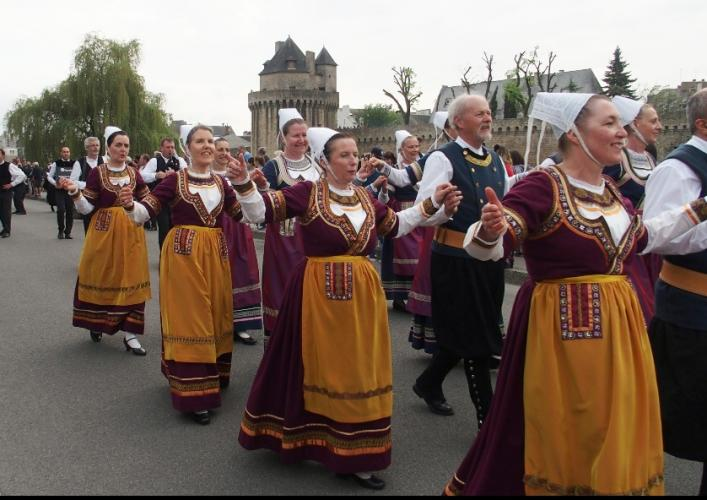 Koroll Breizh  au défilé du Tradi'Deiz
