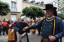 Limoges couverts de confettis