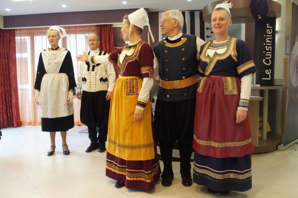 Presentation des costumes par soaz
